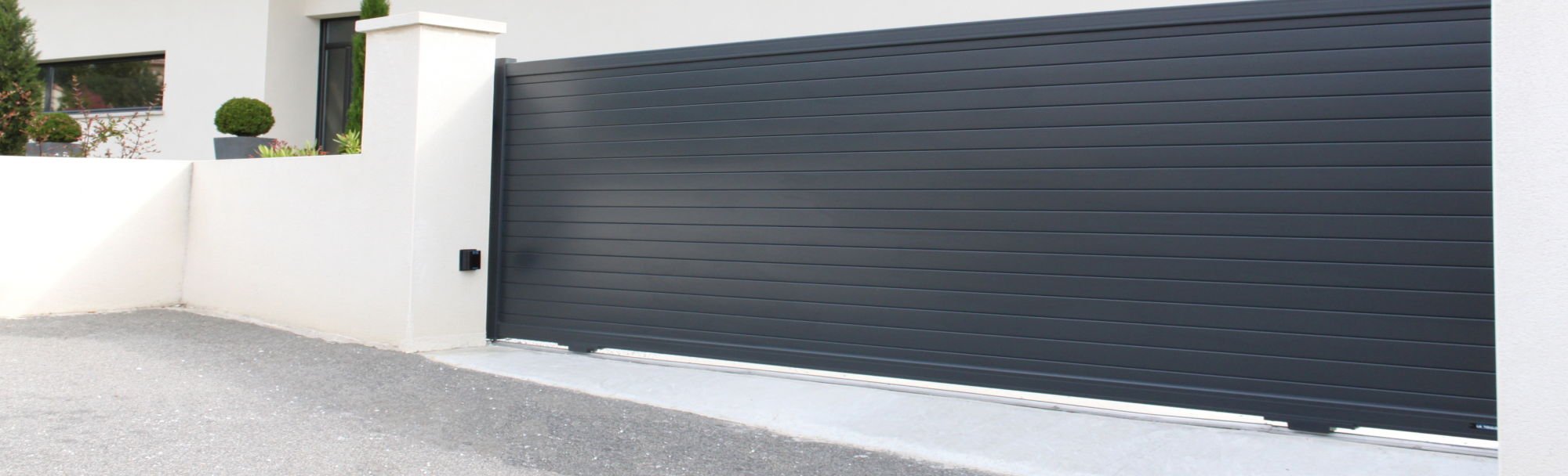 Sliding gate - Modern line Intimacy Model - Anthracite